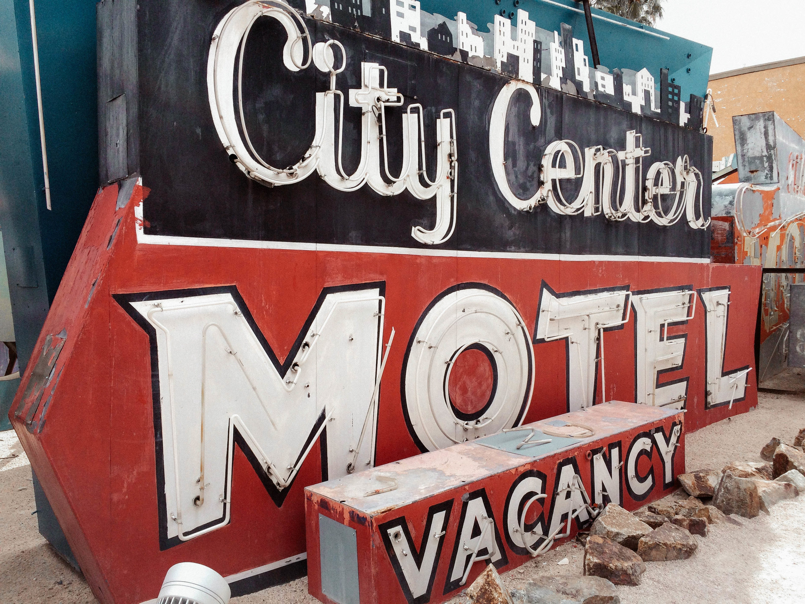 LAS VEGAS: NEON SIGN BONEYARD