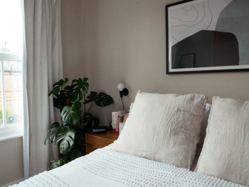 10 TIPS TO CREATING THE PERFECT MINIMALIST YET COSY BEDROOM